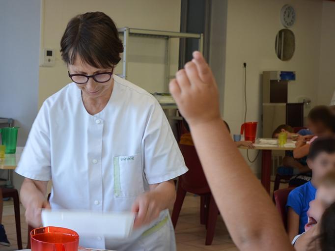 Les agents municipaux aux petits soins pour les jeunes fleurantins